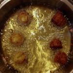 Gluten Free Falafel via MintGrapefruit.com #saladswap #momsmeet